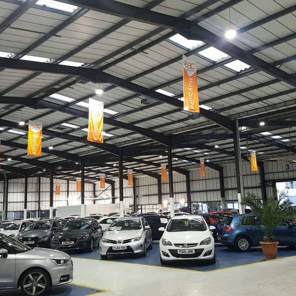 Led lighting installation for a car showroom