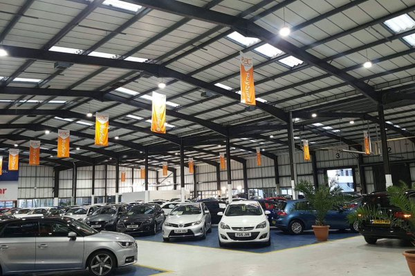Led lighting installation for a car showroom